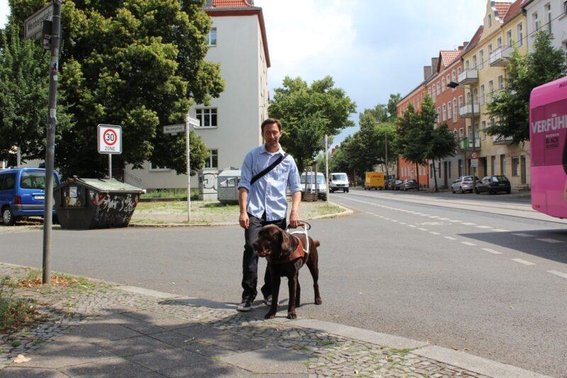 Blindenfuhrhundtraining 1